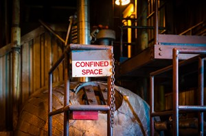confined_space_tiacrousephotography_670904670_medium