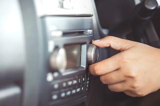 Adjusting volume on a car radio
